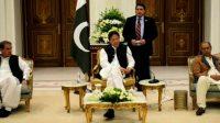 PM discusses bilateral ties, Kashmir crisis