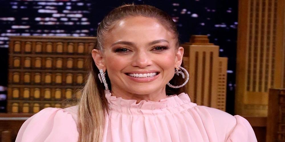Jennifer Lopez pays tribute to doctors fighting against coronavirus